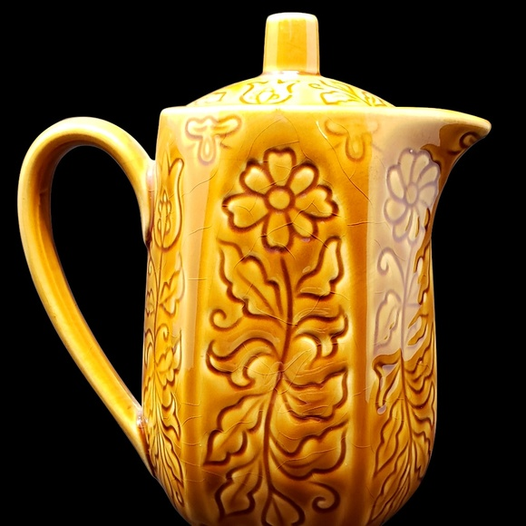 Vintage Other - Vintage Mustard Yellow Teapot w Daisies and Tulips
